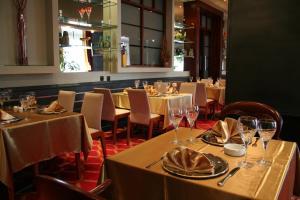 Hotel Parkにあるレストランまたは飲食店