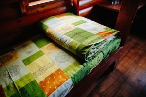 Кровать или кровати в номере Дебаркадер базы отдыха Мастер