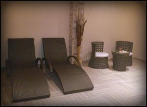 A seating area at Incanto Family Hotel