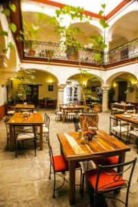 A restaurant or other place to eat at Parador San Agustin