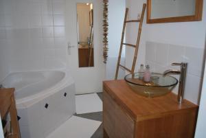 Salle de bains dans l'établissement La Petite Boire - Maison d'hôtes - Bed & Breakfast