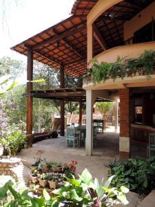 The lounge or bar area at Canto Verde Pousada