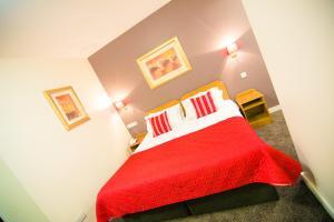 A room at Ballymac Hotel