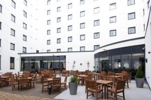 A restaurant or other place to eat at Premier Inn London Gatwick Airport - North Terminal