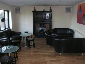 The lounge or bar area at Heritage Hotel