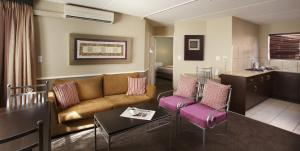 A seating area at Mercure Hotel Bedfordview