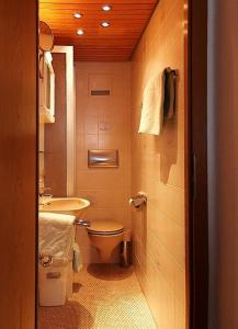 Ein Badezimmer in der Unterkunft Altstadthotel Wienecke