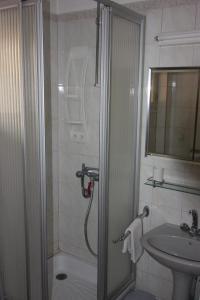 A bathroom at La Victoire