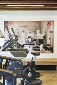 The fitness center and/or fitness facilities at Alpendomizil Neuhaus