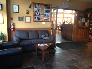 The lobby or reception area at Howe Sound Inn & Brewing Company