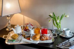 Breakfast options available to guests at Palazzo De Cupis - Suites and View