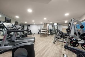 The fitness center and/or fitness facilities at Catalonia Sagrada Familia