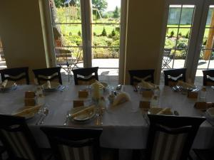 Restauracja lub miejsce do jedzenia w obiekcie Pokoje gościnne Viktorjan