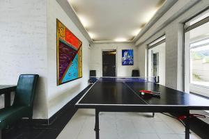 Ping-pong facilities at Vila Etna or nearby