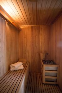 Spa and/or other wellness facilities at Lagos Del Calafate