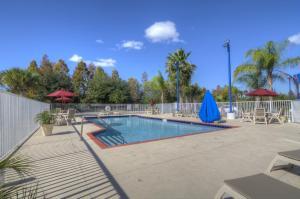 A piscina localizada em Motel 6-Orlando, FL - International Dr ou nos arredores