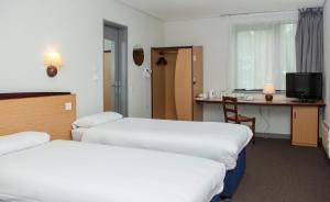 Cama o camas de una habitación en Campanile Hotel Dartford
