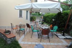 Un restaurante o sitio para comer en A 2 Passi Dagli Dei