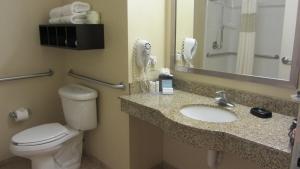 A bathroom at Hampton Inn Topeka