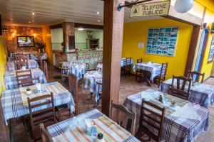 A restaurant or other place to eat at Pousada Konquista