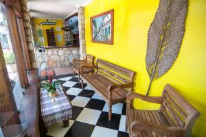 A seating area at Pousada Konquista