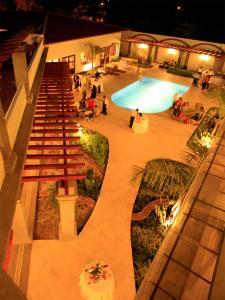 Vista de la piscina de Hotel Los Portales o alrededores