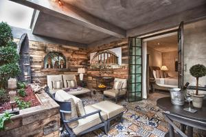 A seating area at O:Live Boutique Hotel, A Small Luxury Hotel of the World