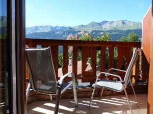 A balcony or terrace at Chalet des Alpes
