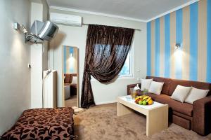 Гостиная зона в Anastassiou Hotel