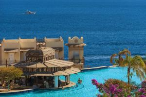 The swimming pool at or close to Concorde El Salam Sharm El Sheikh Front Hotel