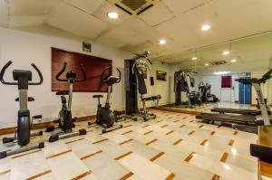 The fitness center and/or fitness facilities at Infanta Cristina