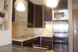 A kitchen or kitchenette at Apartmento Avda Madrid