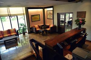 The lounge or bar area at Baztan