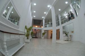 The lobby or reception area at Hotel Oma Zita