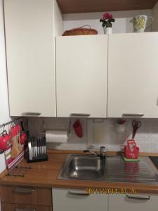 A kitchen or kitchenette at Studio Vieux Menton