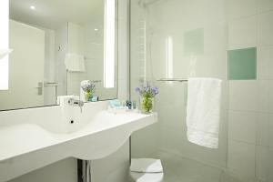 Novotel Genova City tesisinde bir banyo