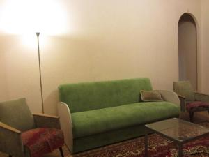 Гостиная зона в Апартаменты Оld Flat на Белинского