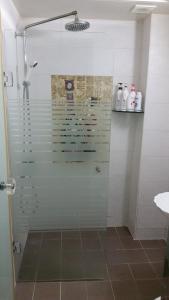 クープス ホテルにあるバスルーム