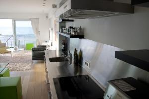 Cuisine ou kitchenette dans l'établissement Apartment Schopenhauer