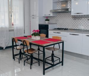 Cucina o angolo cottura di Tami Holidays