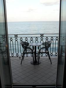 A balcony or terrace at Hotel Il Mulino