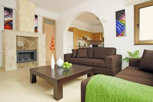 A seating area at Villa Merry