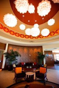 The lobby or reception area at Hilton Garden Inn Virginia Beach Oceanfront