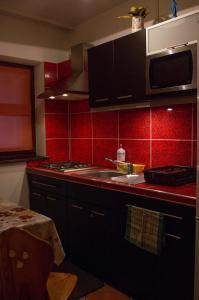 Kuchnia lub aneks kuchenny w obiekcie Willa Jafer - Zakopane Centrum