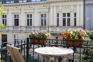A balcony or terrace at Hotel Residenz Begaswinkel