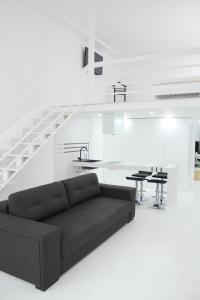 A seating area at Luxury Apartments