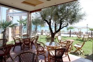 Εστιατόριο ή άλλο μέρος για φαγητό στο Ξενοδοχείο Παράλιο