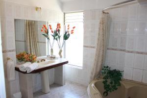 Un baño de Alcalá Apart Hotel