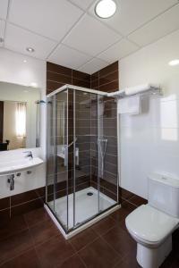 A bathroom at Hotel El Paso Honroso