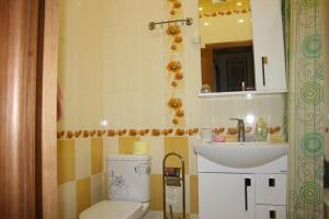 Ванная комната в Апартаменты «Войкова 23»